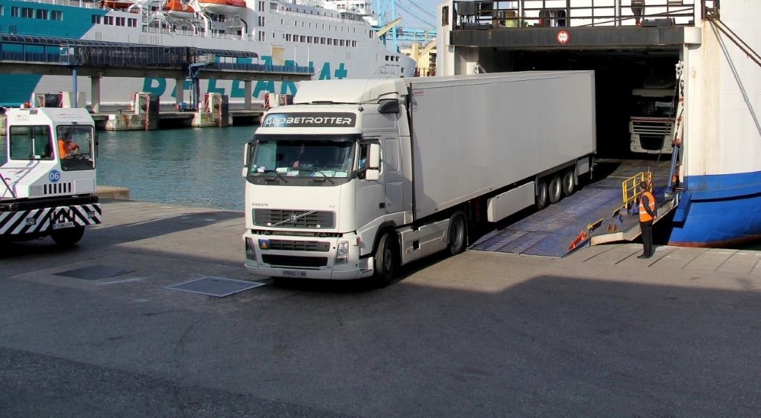 Photo de Franquicia de combustible sobre camiones marroquíes en España: La respuesta marroqui