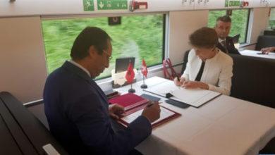 Photo of Marruecos y Suiza firman un memorándum de entendimientos en el ámbito del transporte ferroviario y por carretera