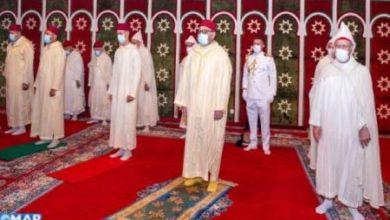 Photo of M'Diq/Este mediodia/Aid Al-Adha 1441: Mohammed VI reza la oración del Eid y  procedió con el ritual del sacrificio (Actualizado)