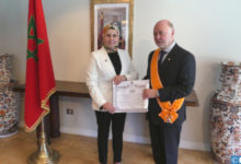 Photo de El ex embajador de Chile en Marruecos condecorado con el Wissam Alauita de la Orden de Gran Oficial