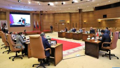 Photo de Marruecos y Rusia examinan la cooperación comercial y el potencial de desarrollo bilateral