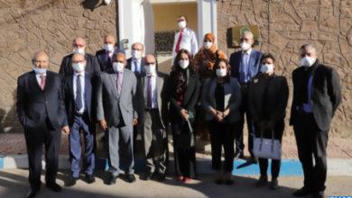Photo de Una delegación de la Comisión de Asuntos Exteriores en la Cámara de Representantes visita los consulados acreditados en Laayún
